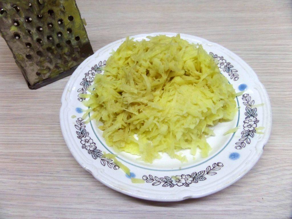 Фото рецепта - Жаркое горшочках из картофеля и свинины с вешенками - шаг 5
