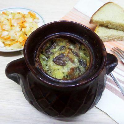Жаркое горшочках из картофеля и свинины с вешенками - рецепт с фото
