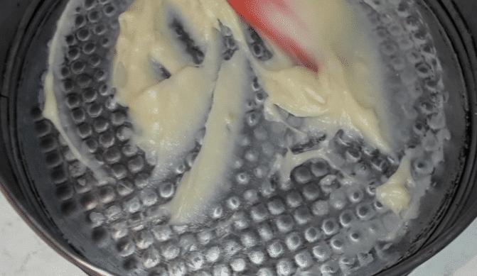"""Фото рецепта - Торт """"Наполеон"""" из слоеного печенья с заварным кремом - шаг 6"""