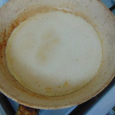 Фото рецепта - Овсяный блин на кунжутном молоке - шаг 4