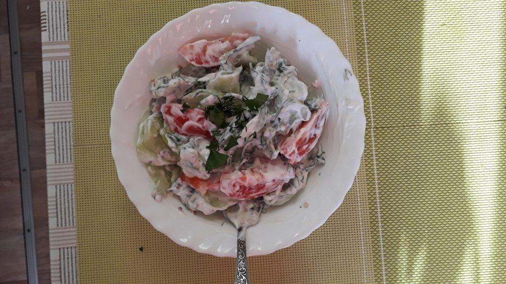 Фото рецепта - Освежающий овощной салат «Нежность» - шаг 5