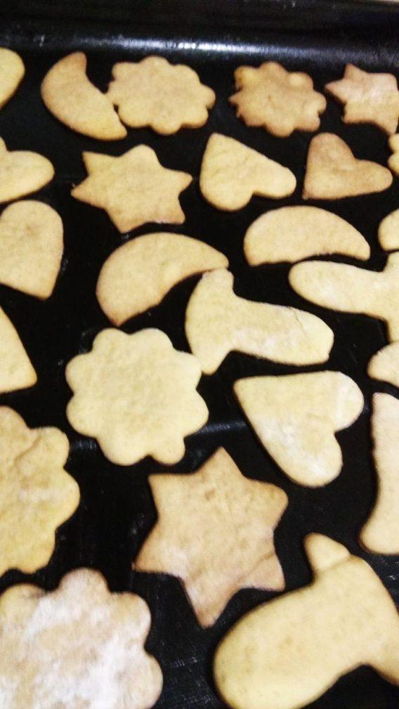 Фото рецепта - Домашние сладкие крекеры из песочного теста - шаг 7