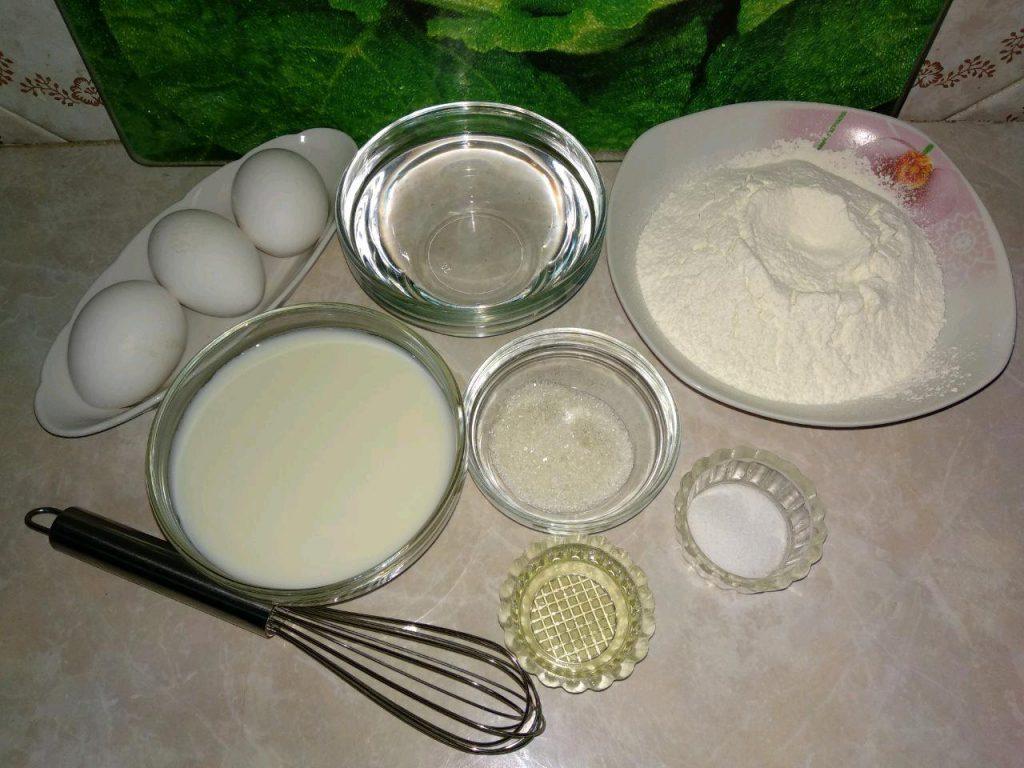 Фото рецепта - Блинчики на молоке с яблоками и корицей - шаг 1