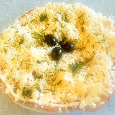 Острая закуска из помидор с сыром - рецепт с фото
