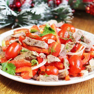 Салат из говядины с перцем и черри - рецепт с фото