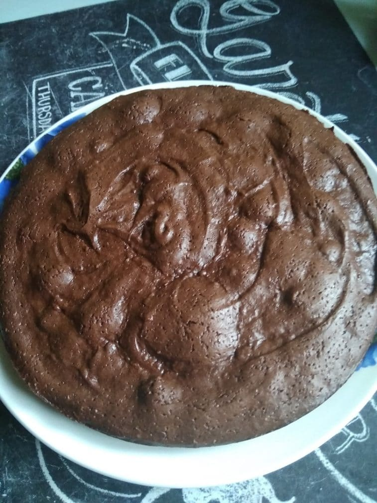 Фото рецепта - Пирожное Брауни с какао-порошком - шаг 6