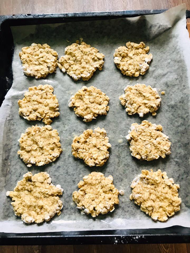 Фото рецепта - Домашнее овсяное печенье - шаг 5