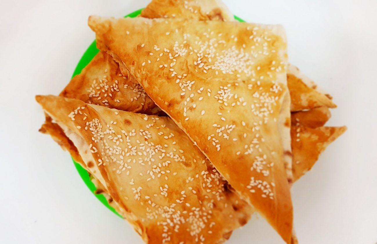 """""""Ленивые"""" хачапури с творожно-сырной начинкой"""