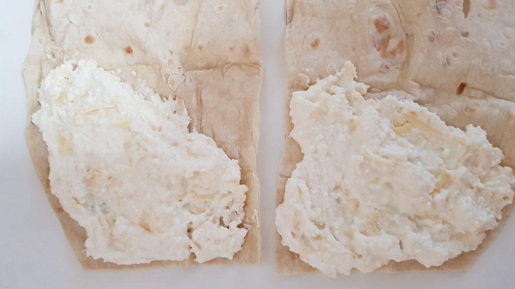 """Фото рецепта - """"Ленивые"""" хачапури с творожно-сырной начинкой - шаг 4"""