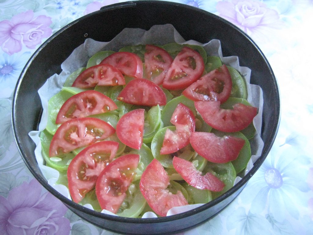 Фото рецепта - Запеканка из кабачков с сыром и помидорами - шаг 2