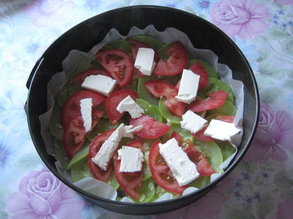 Фото рецепта - Запеканка из кабачков с сыром и помидорами - шаг 3