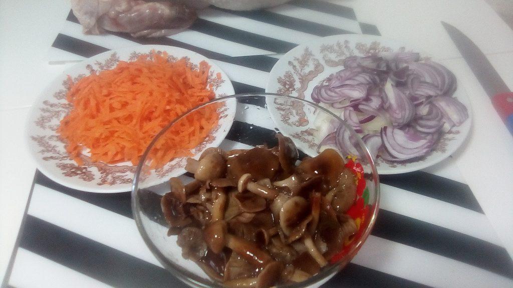 Фото рецепта - Запеканка из индейки с грибами - шаг 8