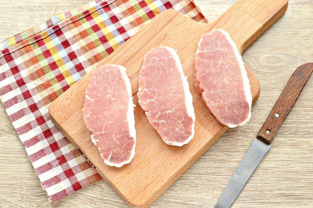 Фото рецепта - Отбивные из свинины в яичном кляре - шаг 1