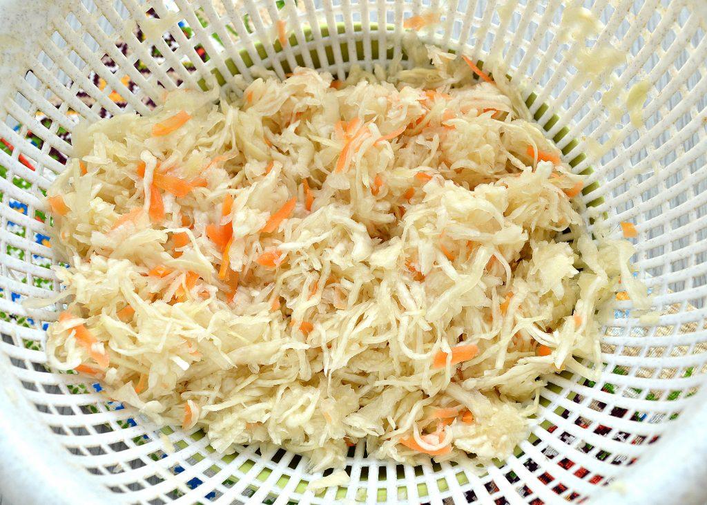 Фото рецепта - Русские щи из квашеной капусты - шаг 1