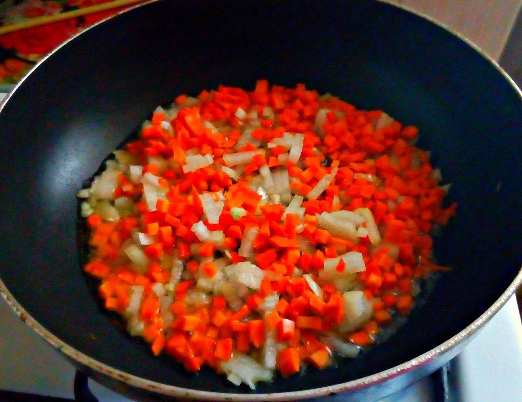 Фото рецепта - Пшеничная каша в сковороде (гарнир) - шаг 4