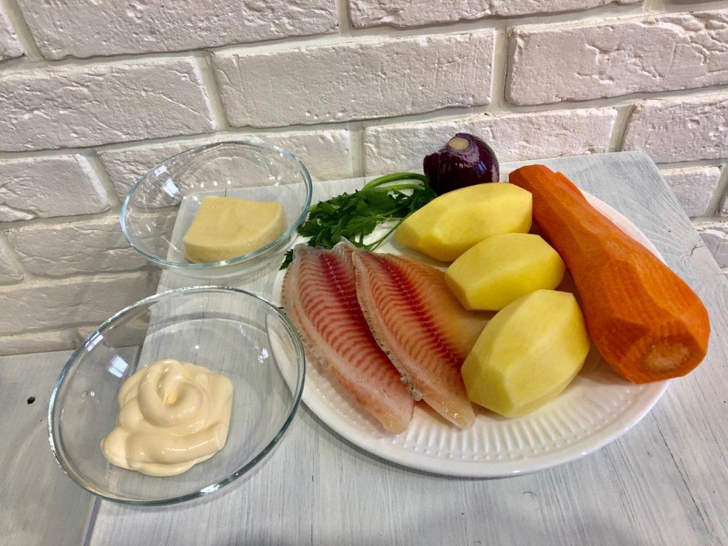 Фото рецепта - Запеканка из тилапии с овощами под сырной корочкой - шаг 1