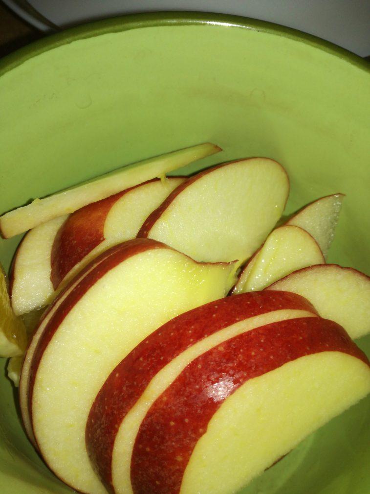 Фото рецепта - Легкий фруктовый салат на завтрак - шаг 3