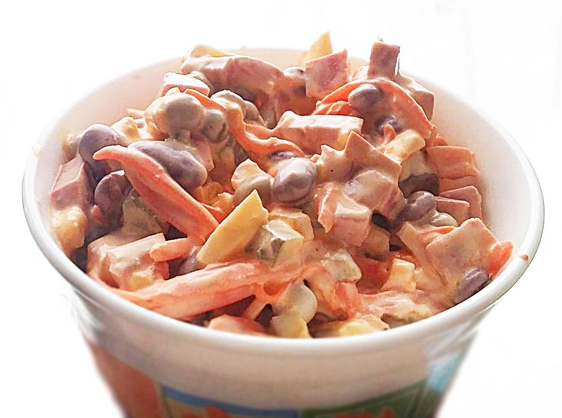 """Салат """"Мужская радость"""" с колбасой и корейской морковью"""