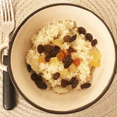 Сладкая ячневая каша с сухофруктами - рецепт с фото