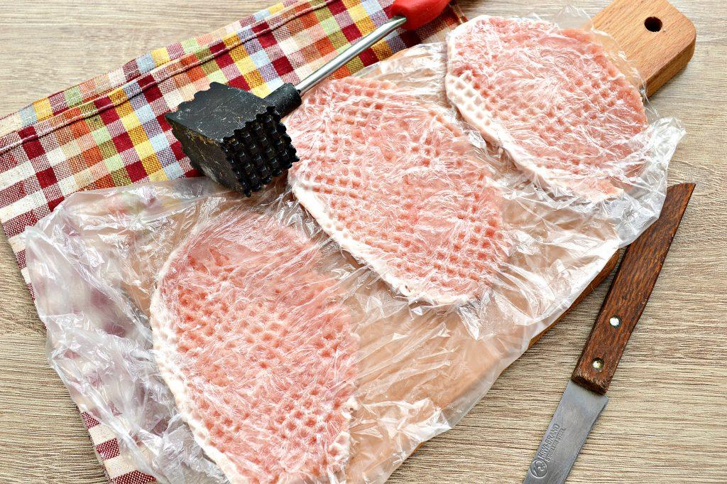 Фото рецепта - Отбивные из свинины в яичном кляре - шаг 2