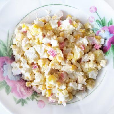 "Салат ""Крабик"" с кукурузой - рецепт с фото"