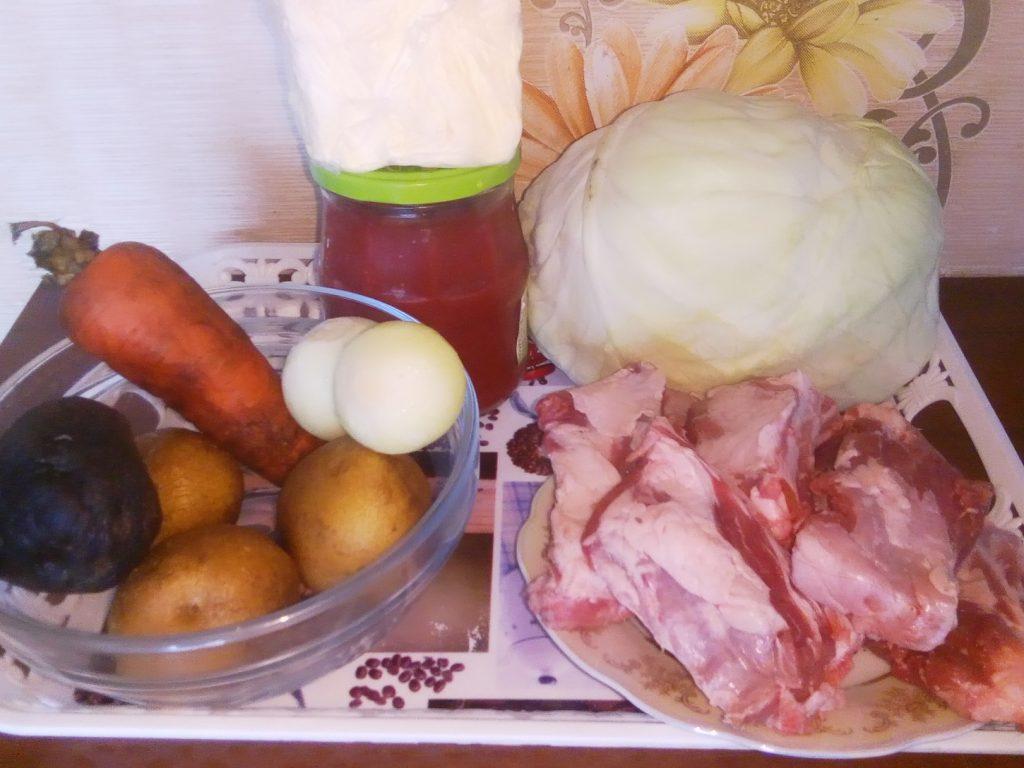 Фото рецепта - Борщ классический украинский со свининой - шаг 1