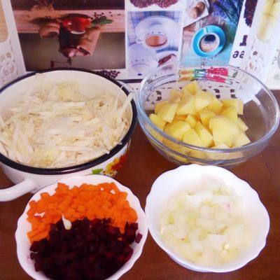 Фото рецепта - Борщ классический украинский со свининой - шаг 2