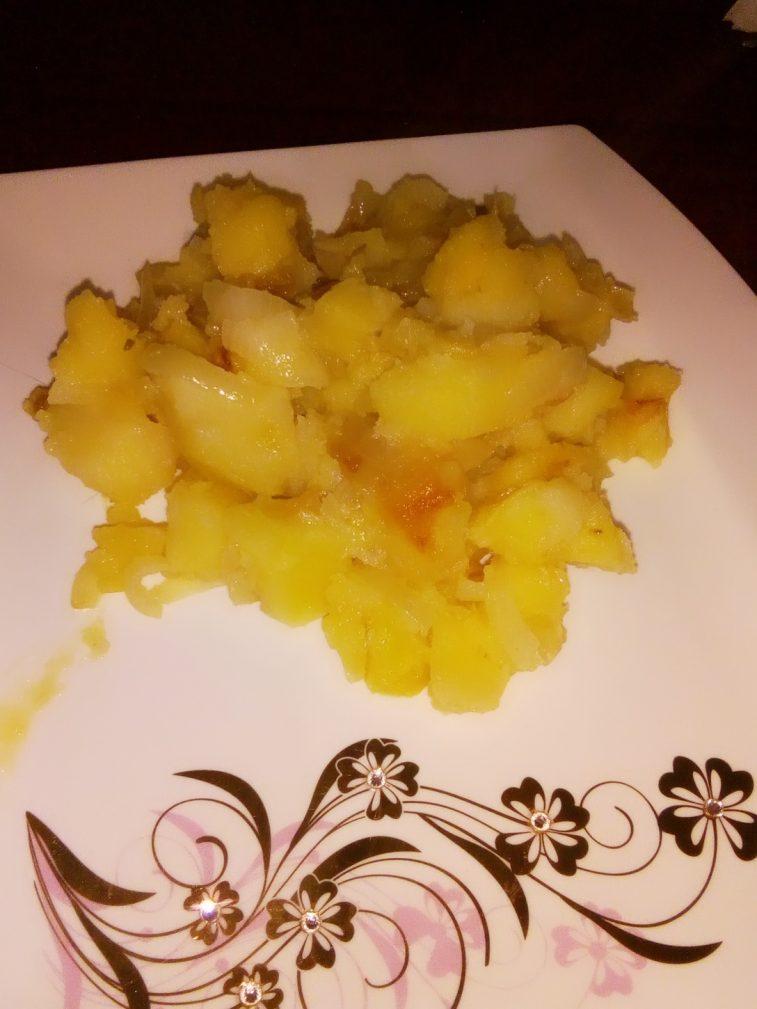 Фото рецепта - Гарнир – картошка по домашнему с луком - шаг 6