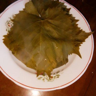 Фото рецепта - Долма из виноградных листьев с фаршем - шаг 1