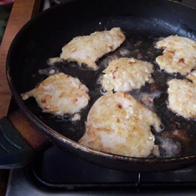 Фото рецепта - Куриные отбивные - шаг 7