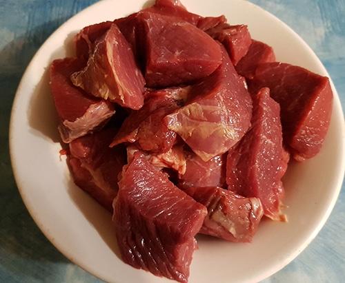 Фото рецепта - Диетические говяжьи тефтели с имбирем в мультиварке - шаг 1