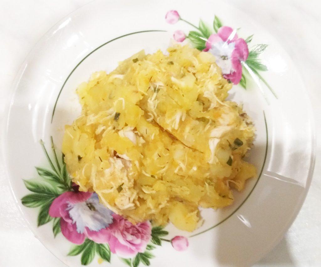Фото рецепта - Картофель, тушеный с куриной грудкой - шаг 5