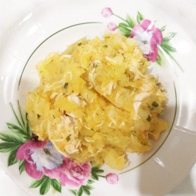 Картофель, тушеный с куриной грудкой - рецепт с фото