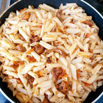 Фото рецепта - Макароны с мясом и сыром - шаг 5