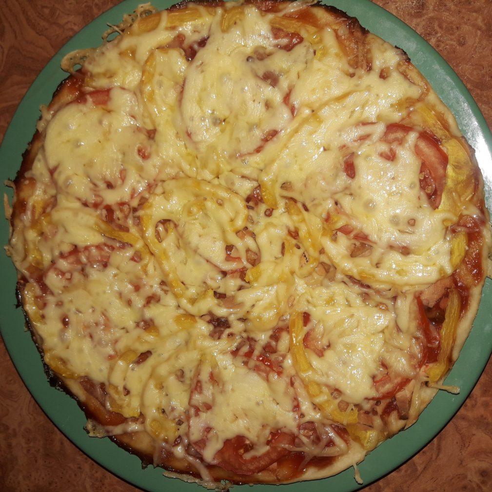 Фото рецепта - Пицца домашняя на дрожжевом тесте с томатами - шаг 5