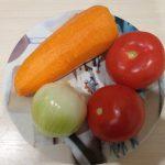 Фото рецепта - Картофель, тушеный с курицей и томатами - шаг 2