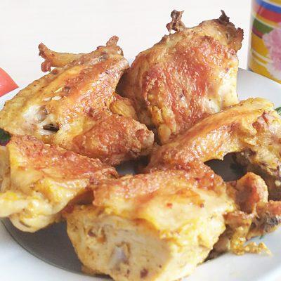 Курица, запеченная в майонезом соусе - рецепт с фото