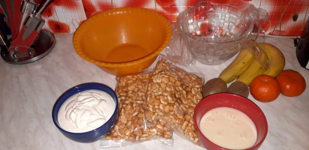 """Фото рецепта - Тортик без выпечки """"Экзотика"""" с бананами и цитрусами - шаг 1"""