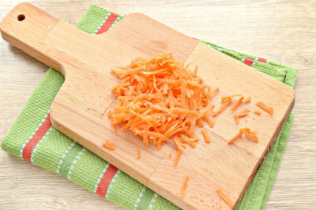 Фото рецепта - Гречневый суп с мясными фрикадельками - шаг 3