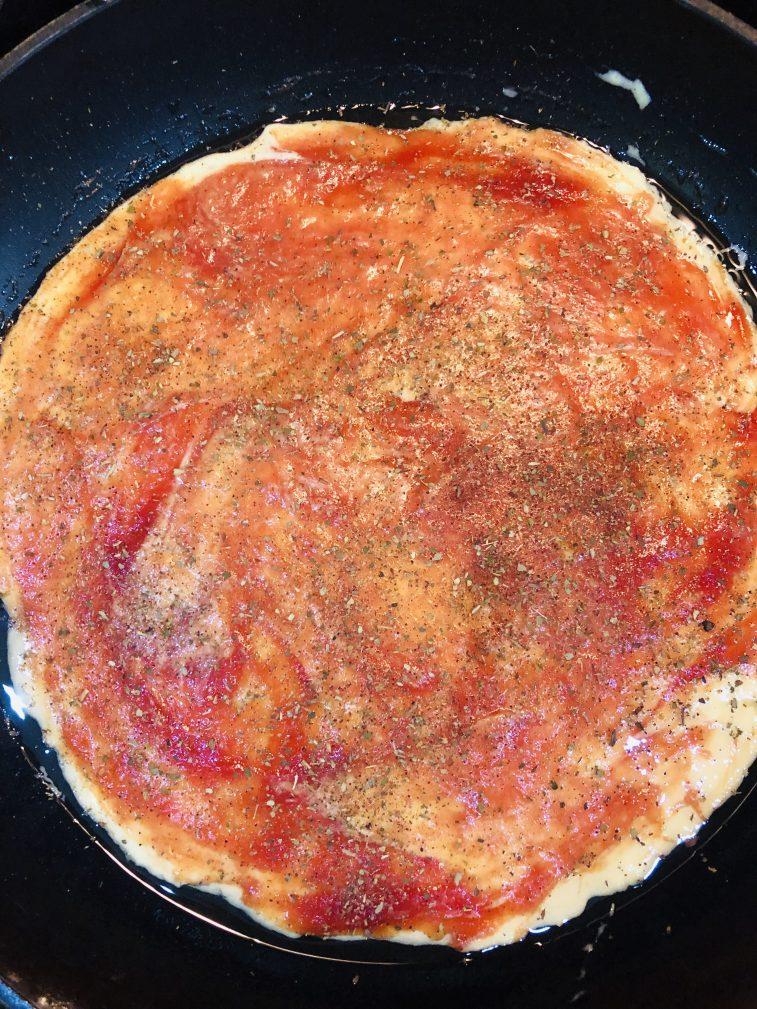 Фото рецепта - Пицца на майонезе и сметане - шаг 3