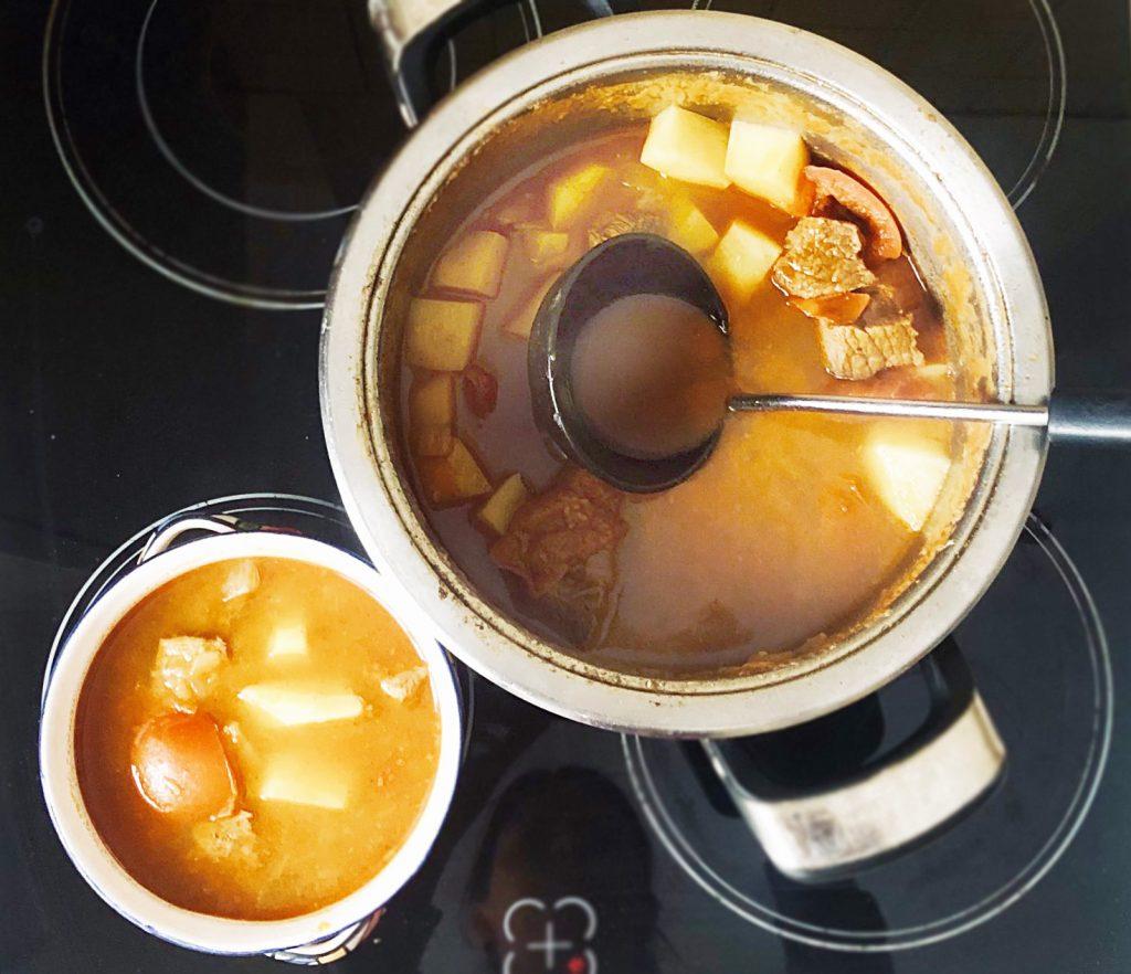Фото рецепта - Гуляш по-венгерски с телятиной - шаг 6