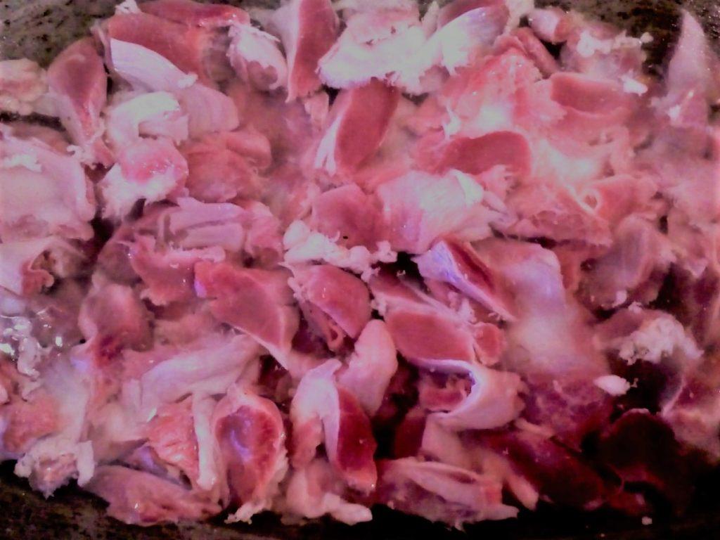 Фото рецепта - Тушеный картофель с куриными желудками и специями - шаг 4