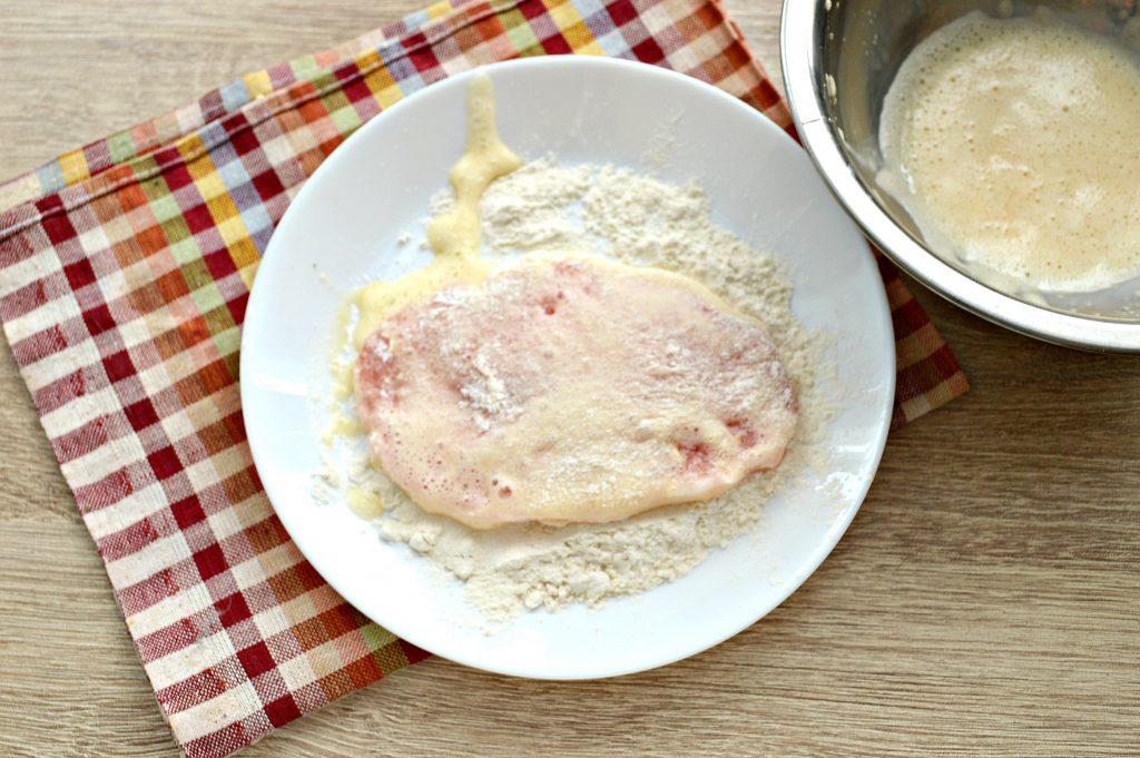 Фото рецепта - Отбивные из свинины в яичном кляре - шаг 4