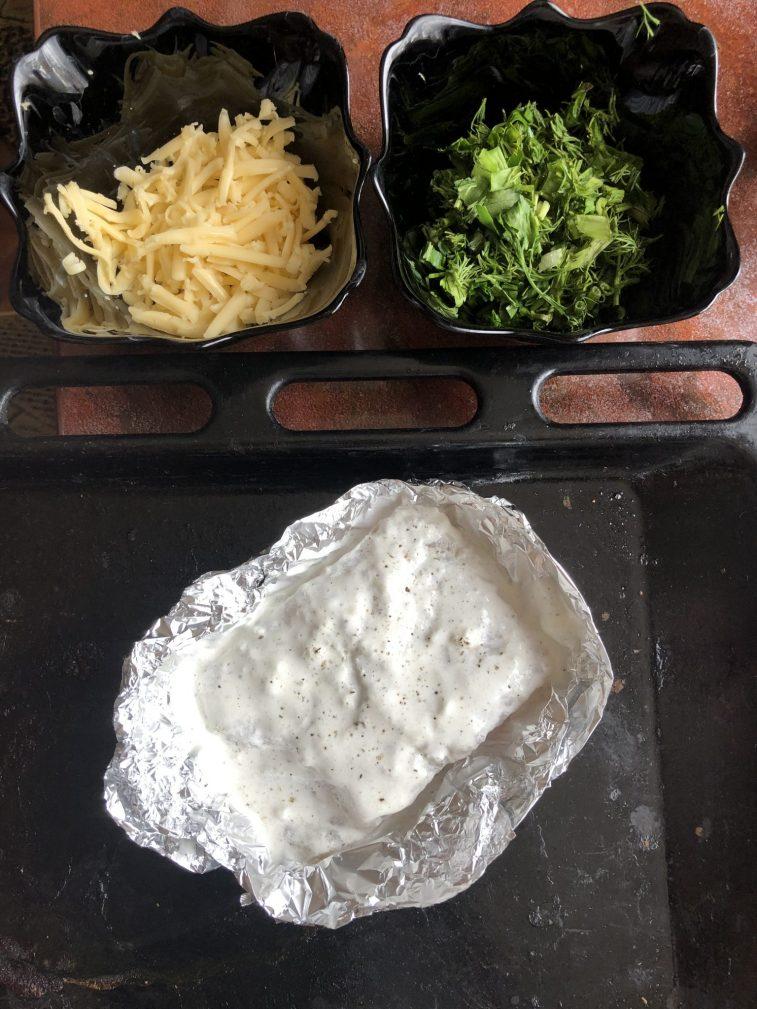 Фото рецепта - Минтай в сметане, запеченный в фольге - шаг 2