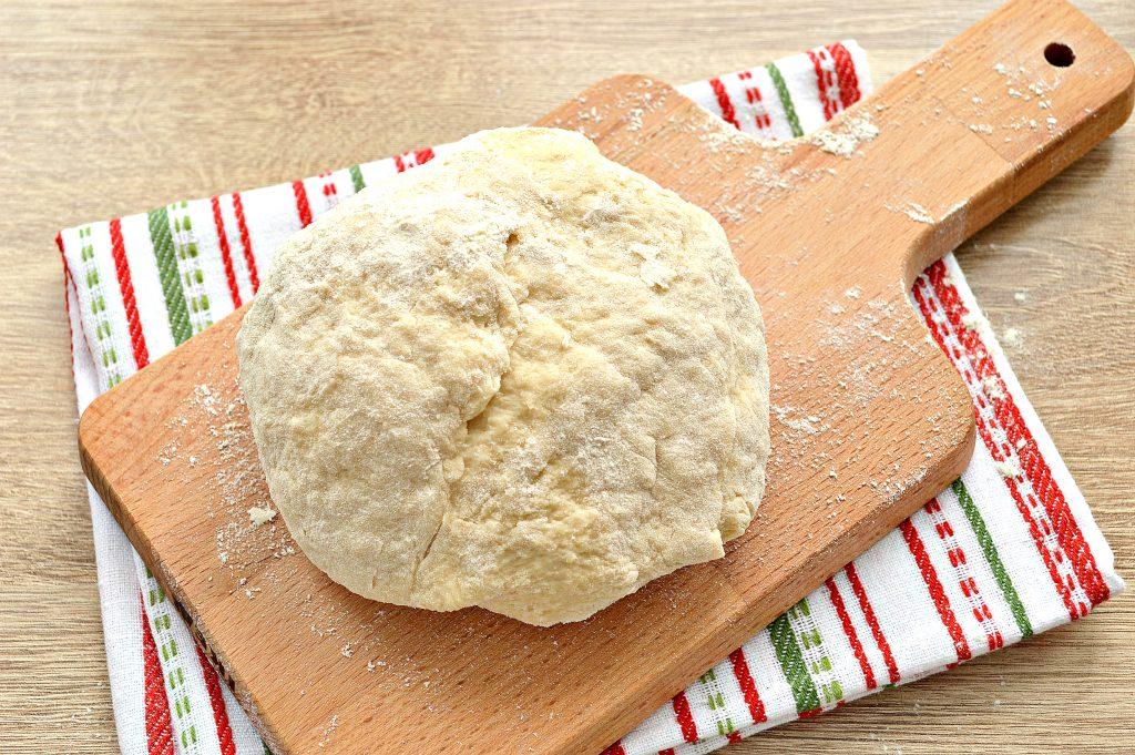 Фото рецепта - Тесто для чебуреков на водке - шаг 5