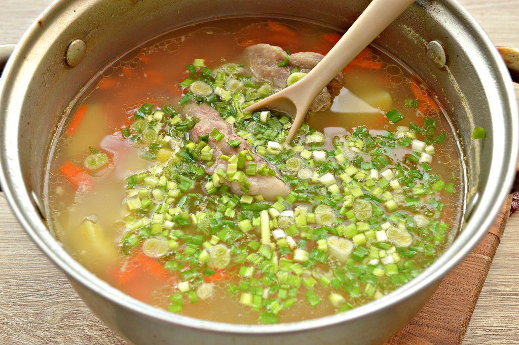 Фото рецепта - Картофельный суп со свиными ребрышками - шаг 5