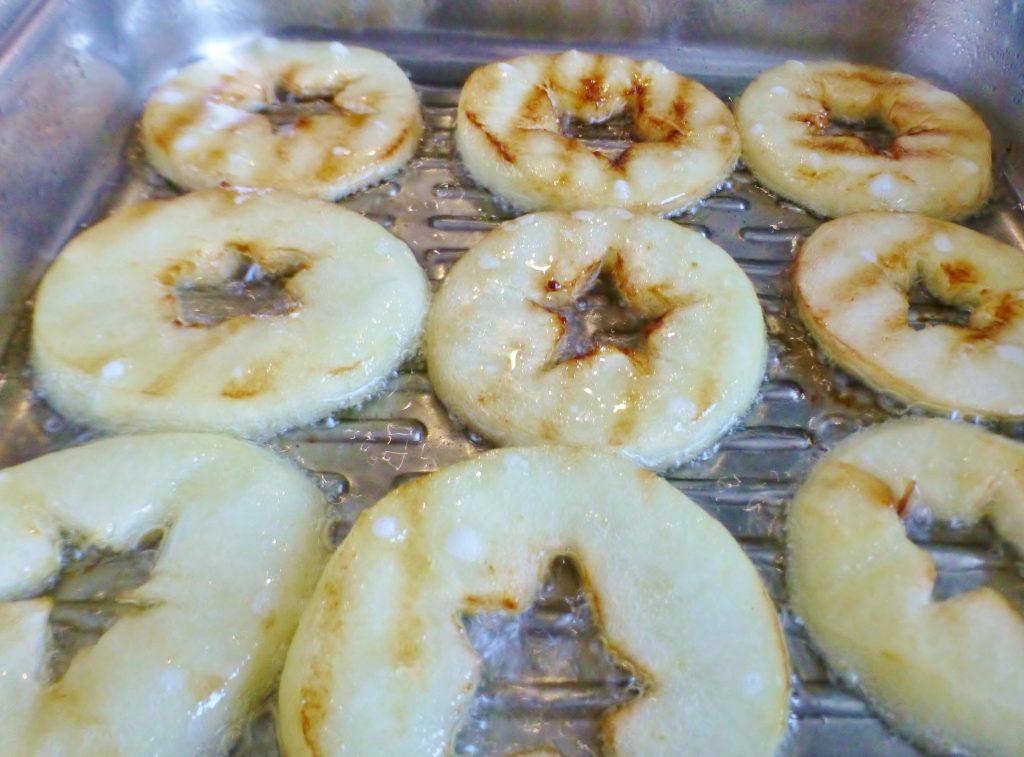 Фото рецепта - Жареные яблоки на гриле - шаг 5