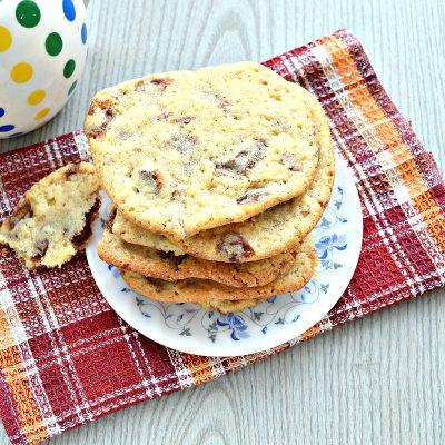 Печенье с кусочками шоколада - рецепт с фото