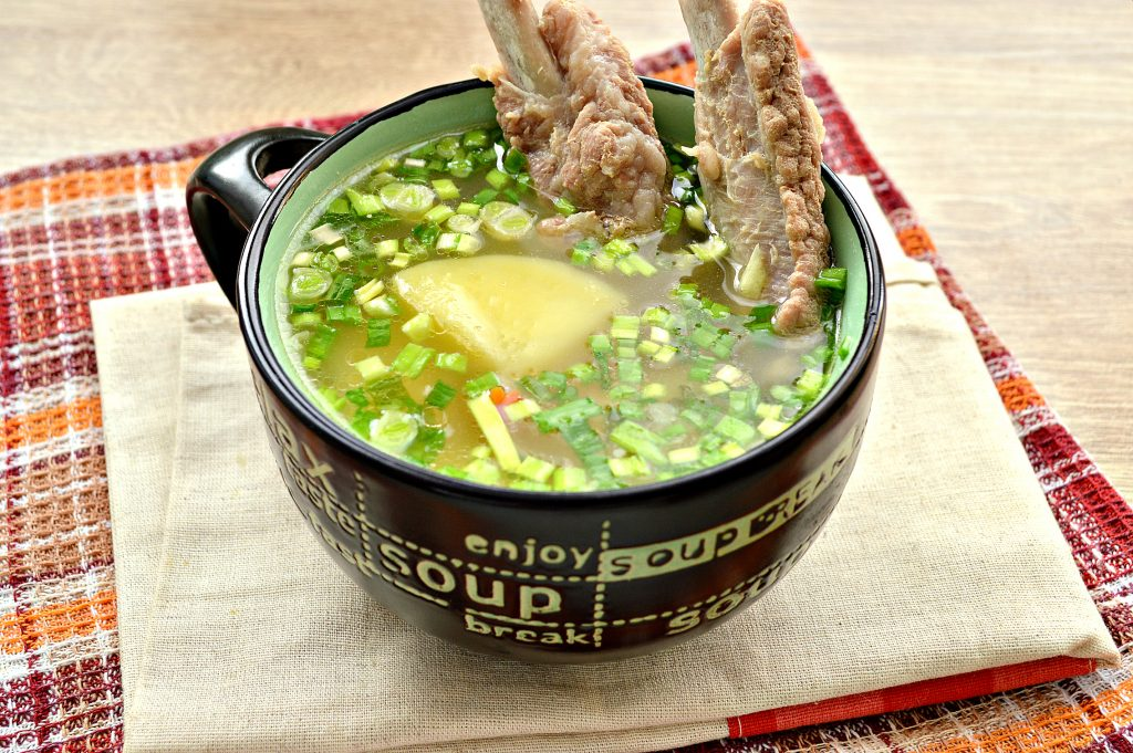 Фото рецепта - Картофельный суп со свиными ребрышками - шаг 6