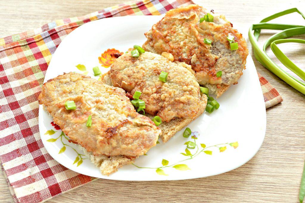 Фото рецепта - Отбивные из свинины в яичном кляре - шаг 6